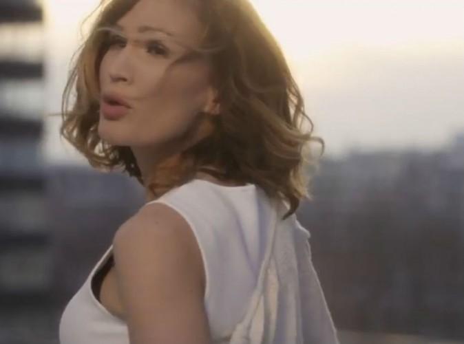"""Vitaa : fidèle ambassadrice de Maître Gims dans le clip de """"Vivre"""" !"""