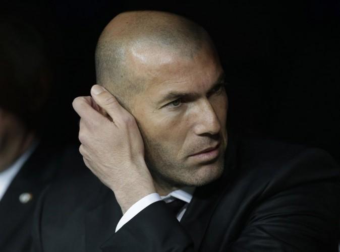 Zinedine Zidane est interdit de banc pendant 3 mois !