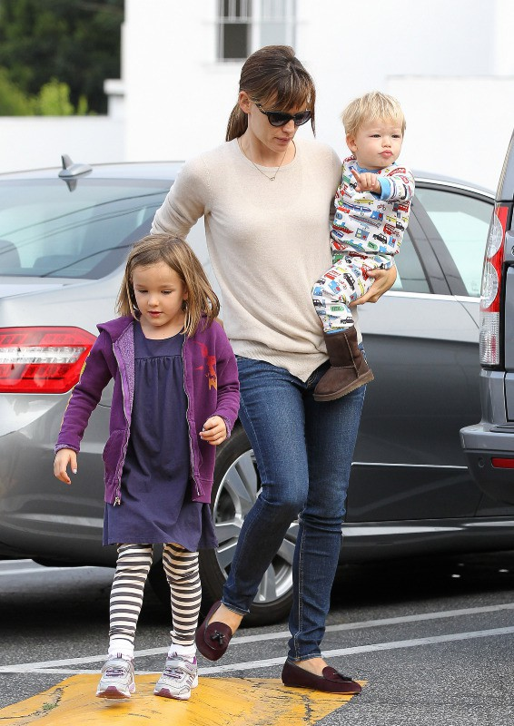 Jennifer Garner et ses enfants, le 11 septembre 2013 à Los Angeles