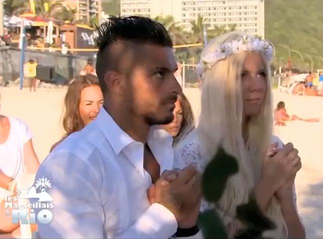 Public Zap  Les Marseillais à Rio  Les fiançailles de Jess et Julien sur  une plage au Brésil !