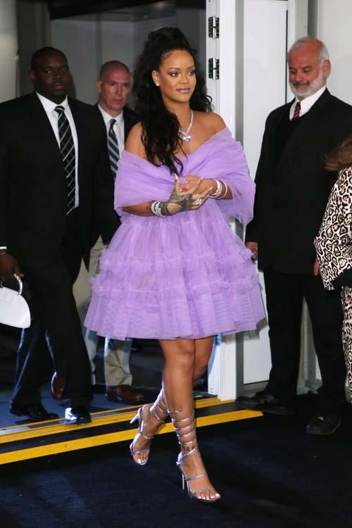 Public Buzz : Rihanna : ses fans accusent Kim Kardashian de l'avoir volée !